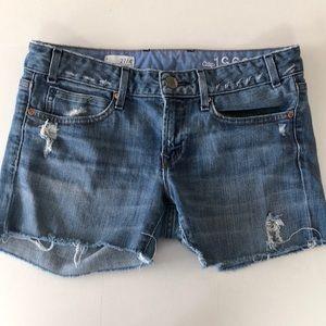 Gap cutoff distressed jean shorts 27/4